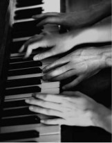 piano-4-mainsbookpage-93.1275308463